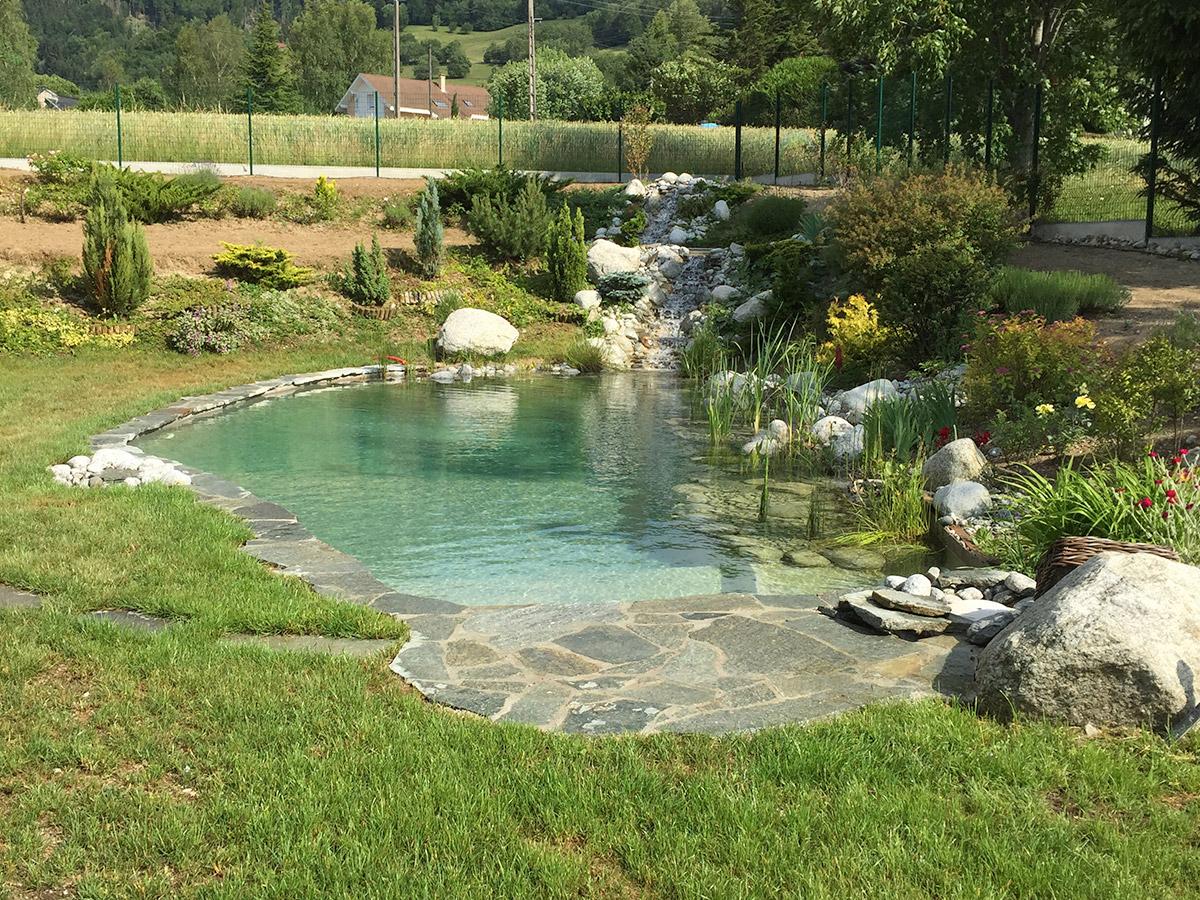 Constructeur de piscine naturelle en haute savoie for Constructeur de piscine naturelle